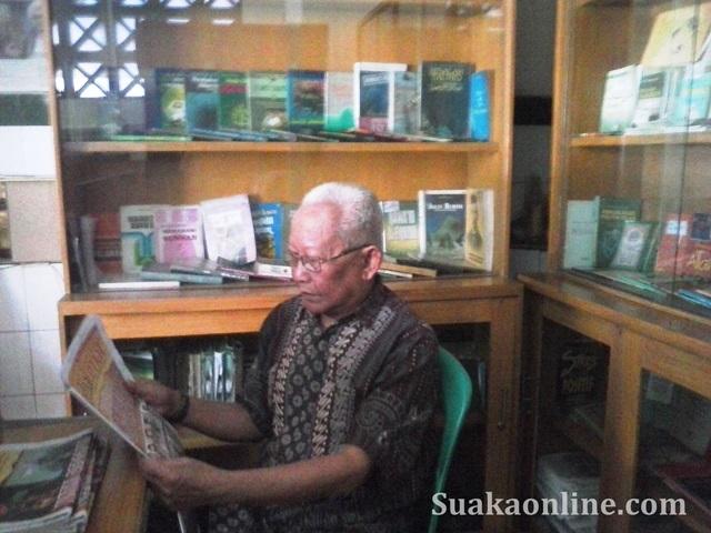 Pengunjung Perpustakaan-lubi nurzaman magang