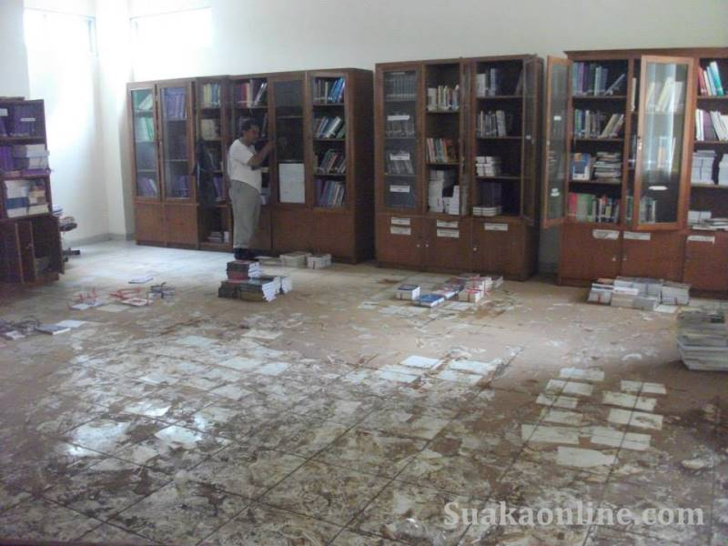 Perpustakaan-rosleny marliani
