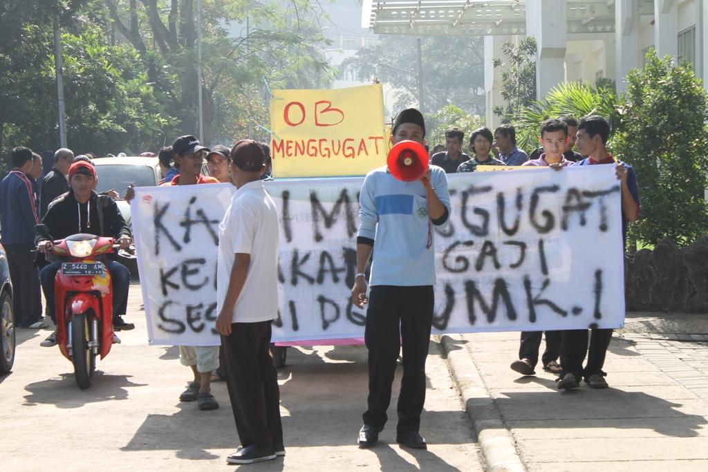 Demonstrasi Surya Dharma Ali