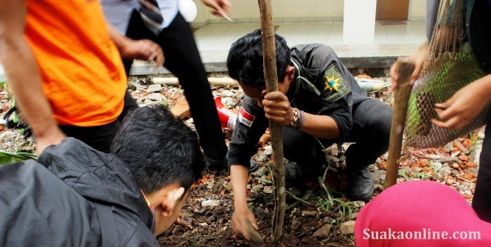 Peringati hari bumi, mahapeka tanam seribu pohon