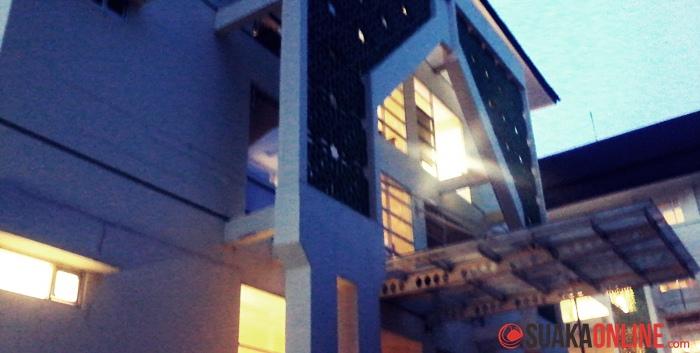 studen Center UIN SGD Bandung di malam hari