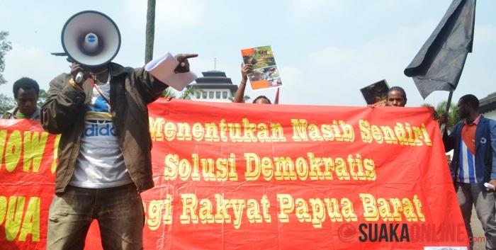 Aliansi Mahasiswa Papua (AMP)