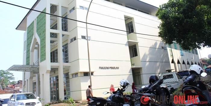 Tampak samping Gedung Fakultas Psikologi. (Foto : Robby Darmawan)