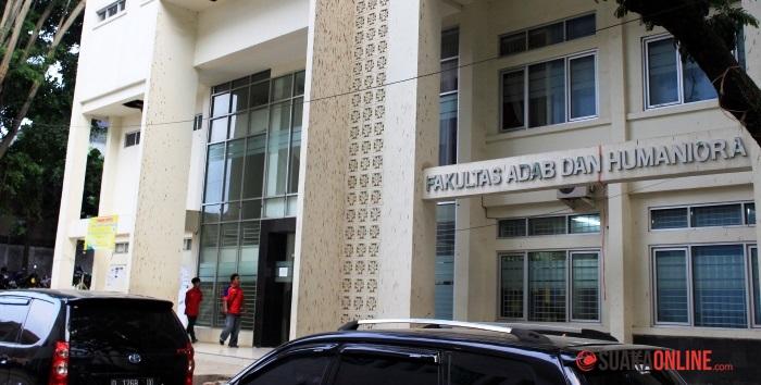 Fakultas Adab dan humaniora, UIN SGD Bandung. (Foto: Dede Lukman Hakim)