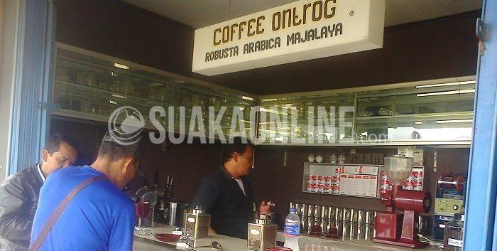 Coffe Ontrog, Pak Ujang