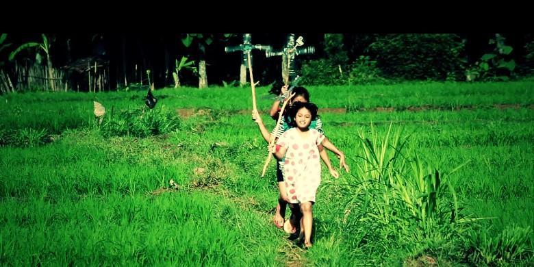 """Cuplikan film dokumenter """"Salam dari Anak-anak Tergenang"""". Dok. Internet"""
