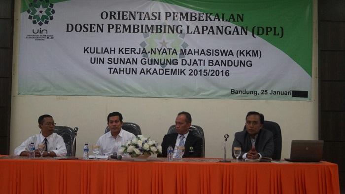 Dari kiri Munir (Ketua LP2M), Tata Sukayat (Sekretaris LP2M), Mahmud (Rektor UIN SGD Bandung, dan Ramdani Wahyu Sururie (Ketua Pelaksana KKM). (Sumber; LP2M)