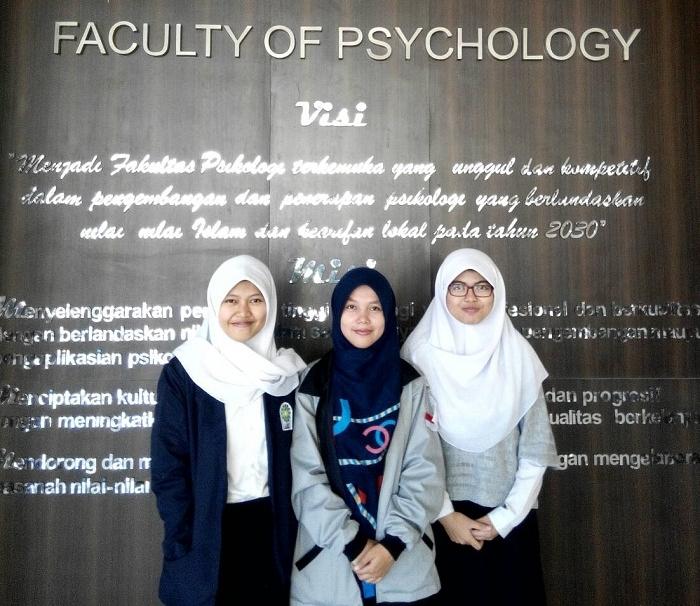 Nurul Alfiah, Yuni Lestari dan Siti Anisa Toyibah (dok. Pribadi)