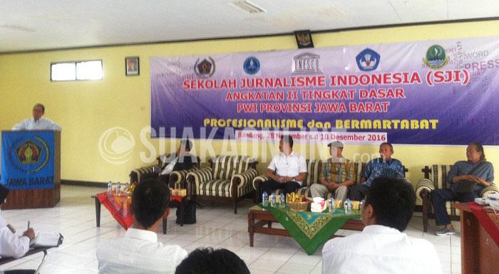Ismail Abdurrahman Azizi/Suaka